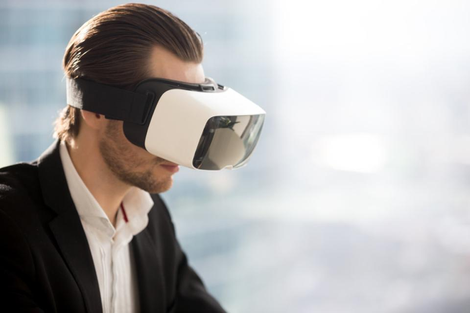 virtual reality business applications